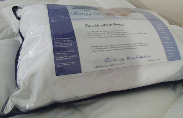 White Goose Down Pillow - No Mite & Downfresh Certificate